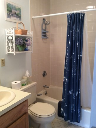 Brewster Cape Cod vacation rental - 2nd full bath