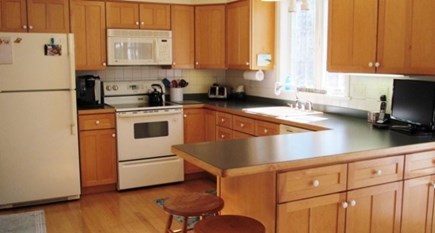 Falmouth, Old Silver Beach Cape Cod vacation rental - Nice clean kitchen