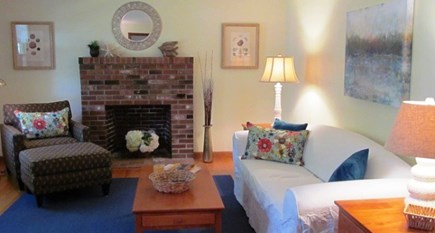 Falmouth, Old Silver Beach Cape Cod vacation rental - Nicely appointed living room