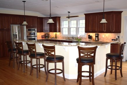 Wellfleet Cape Cod vacation rental - Kitchen Island Bar