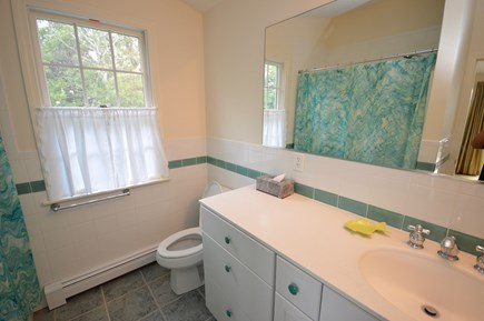 Orleans Cape Cod vacation rental - Full Bath off sunroom Tub/ shower Combo