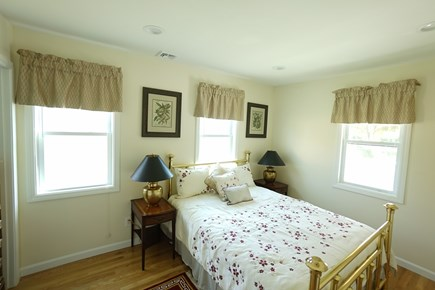 Hyannis Cape Cod vacation rental - The Queen size bedroom