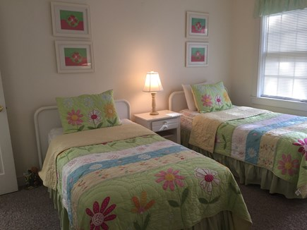Chatham, East Harwich Cape Cod vacation rental - Girls' Twin Room
