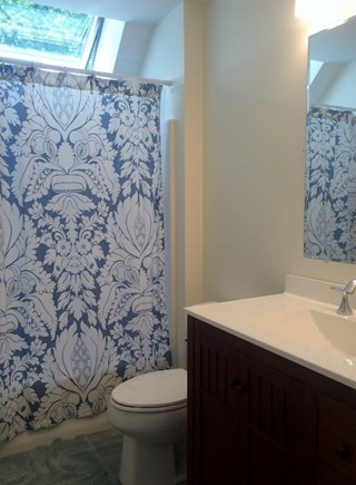 Truro, Wellfleet Cape Cod vacation rental - 2nd level full bath