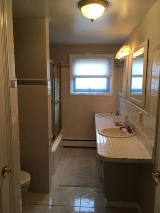 Harwich Cape Cod vacation rental - Full Bathroom