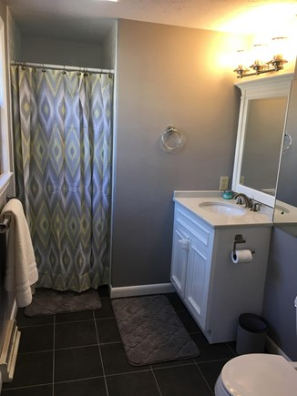 Dennisport Cape Cod vacation rental - Master bathroom