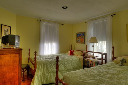 Truro, Beach Point Cape Cod vacation rental - Bedroom with twin beds