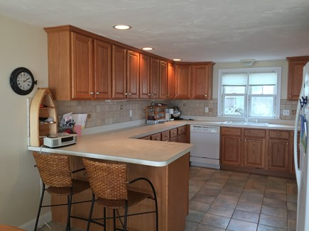Truro Cape Cod vacation rental - Peninsula counter with seating