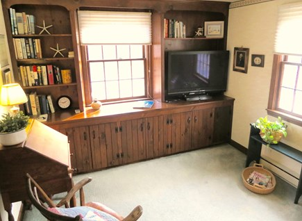 Brewster Cape Cod vacation rental - TV lounge on main level.