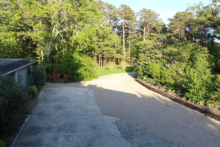 Chatham Cape Cod vacation rental - Washed aggregate concrete/crushed stone parking area