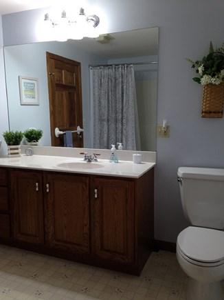 Eastham Cape Cod vacation rental - Full bath with tub on level 2