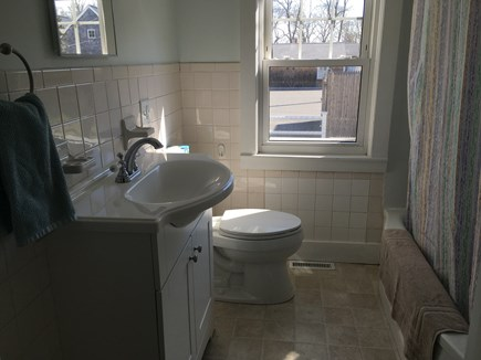 West Harwich Cape Cod vacation rental - Clean full bathroom with tub!