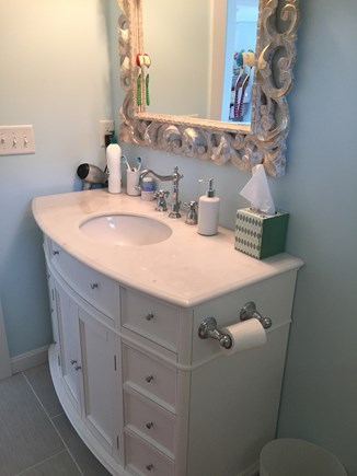 Wellfleet Cape Cod vacation rental - Full bathroom