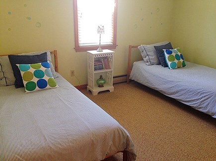 Falmouth Cape Cod vacation rental - 2 twin beds