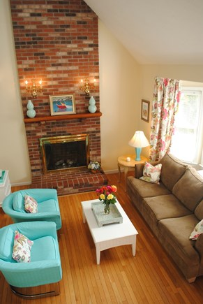 Falmouth, Maravista Cape Cod vacation rental - Family room with plenty of room for everyone.
