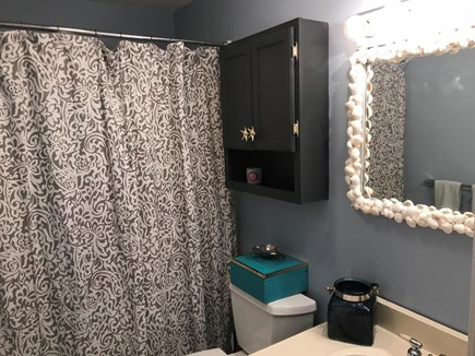 Falmouth, Maravista Cape Cod vacation rental - Full bathroom adjacent to two first floor bedrooms.