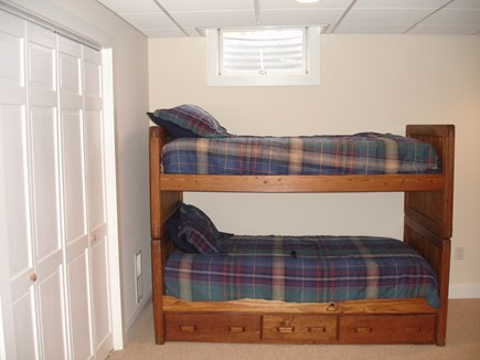 Chatham ,Ridgevale beach Cape Cod vacation rental - Bunk beds