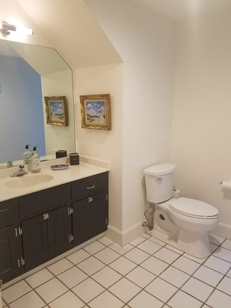 Barnstable, Osterville Cape Cod vacation rental - Second floor bath
