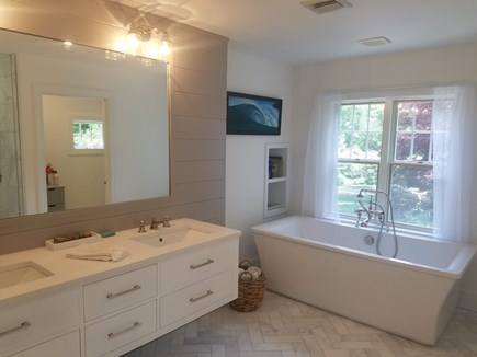 Barnstable, Osterville Cape Cod vacation rental - Master bath