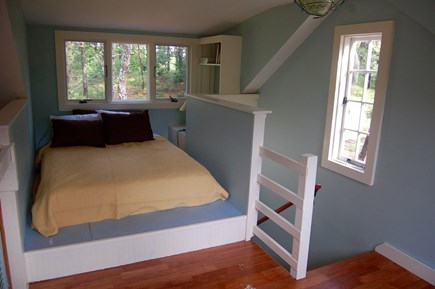 Wellfleet Cape Cod vacation rental - Queen loft bed in detached family room