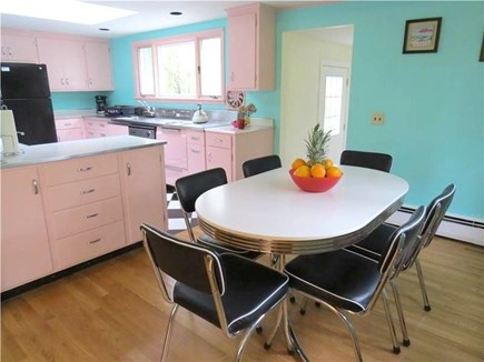 Eastham Cape Cod vacation rental - Kitchen table