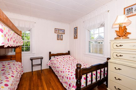 East Falmouth Cape Cod vacation rental - Mate's Quarters with 3 Twin Beds