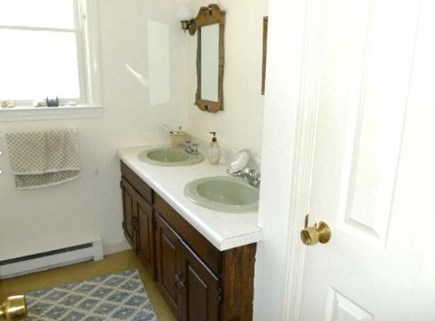 Brewster Cape Cod vacation rental - Bathroom #1, upper level