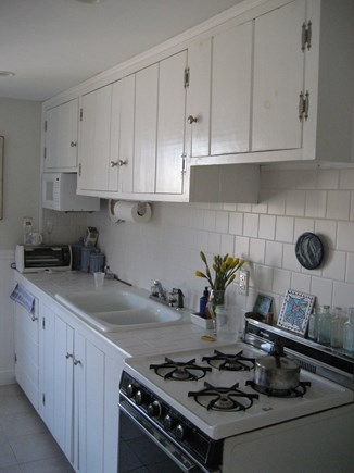 Bourne, Plymouth Cape Cod vacation rental - Kitchen. Fully stocked for cooking those Lobsters!
