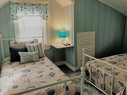 Hyannis Cape Cod vacation rental - Twin Bedroom