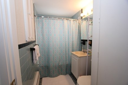 Plymouth MA vacation rental - Full Bath