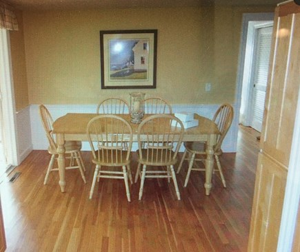 East Dennis Cape Cod vacation rental - Kitchen table