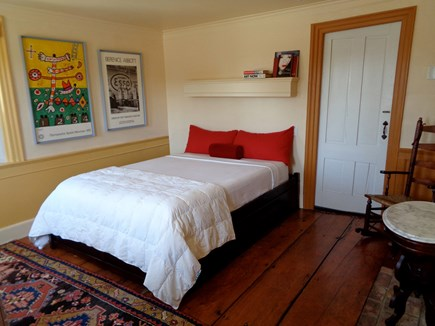wellfleet Cape Cod vacation rental - West BR - Talalay Latex Queen Bed, Wide Plank Floorboards