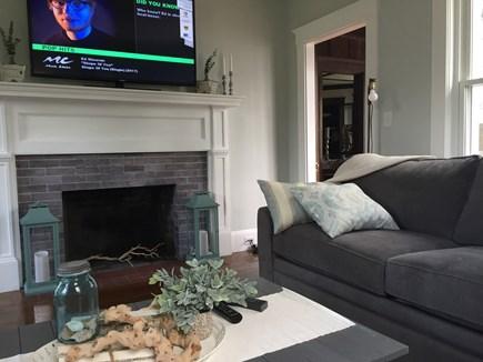 Bourne, Buzzards Bay Cape Cod vacation rental - Living room
