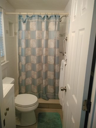 Dennisport Cape Cod vacation rental - Bathroom.