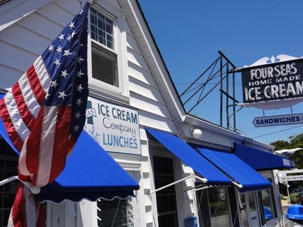 Centerville Centerville vacation rental - Short walk to the best homemade ice cream on the planet