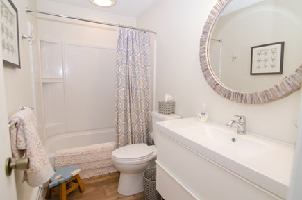 Falmouth Cape Cod vacation rental - 2nd Floor full bath