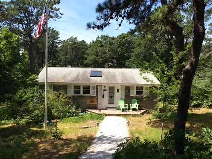 Wellfleet Cape Cod vacation rental - Sweet and simple beach cottage