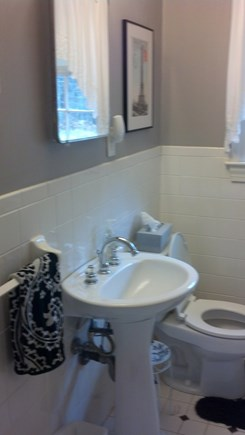 Yarmouth Port Cape Cod vacation rental - Downstairs bathroom