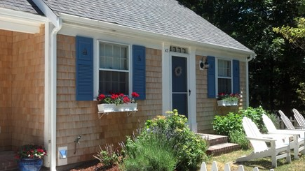 Yarmouth Port Cape Cod vacation rental - Front of cottage
