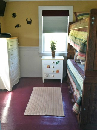 Wellfleet Cape Cod vacation rental - Bunk Bedroom