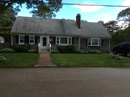 Falmouth, Maravista Cape Cod vacation rental - Front of home