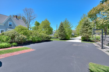 Harwich Port Cape Cod vacation rental - Driveway with basketball hoop and parking for 6 - 8 cars
