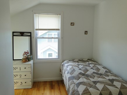 Bourne, Buzzards Bay Cape Cod vacation rental - Upstairs twin bedroom