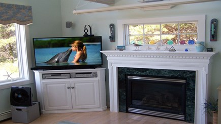 Truro Cape Cod vacation rental - Living room - LED SMART TV
