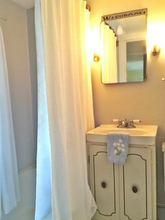Harwich, Pleasant Beach Cape Cod vacation rental - Full bathroom with shower/tub combo