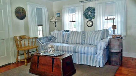 Harwich, Pleasant Beach Cape Cod vacation rental - Comfy living room