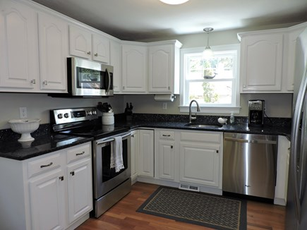 Falmouth, Teaticket Cape Cod vacation rental - Updated Kitchen with NEW Appliances