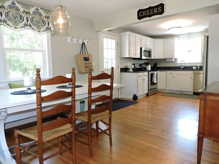 Falmouth, Teaticket Cape Cod vacation rental - Kitchen/Dining area