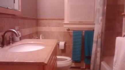Hyannis Cape Cod vacation rental - Upper level bathroom