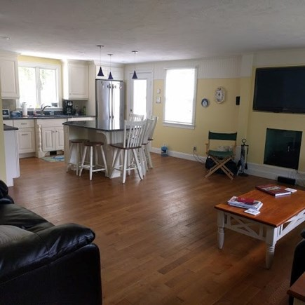 Pocasset, Bourne Pocasset vacation rental - Family room and eat in kitchen with island